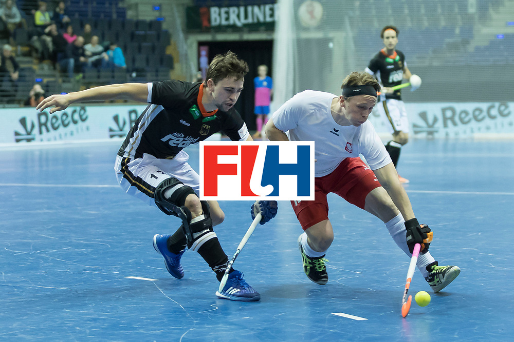 Hockey, Seizoen 2017-2018, 08-02-2018, Berlijn,  Max-Schmelling Halle, WK Zaalhockey 2018 MEN, Poland - Germany 3-6, WEIDE Philipp (POL) en WEINKE Ferdinand (GER).