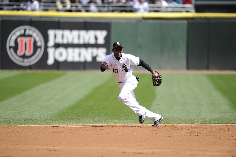 CHICAGO - APRIL 20:  Alexei Ramirez #10 of the Chicago White Sox fields against the Minnesota Twins on April 20, 2013 at U.S. Cellular Field in Chicago, Illinois.  The Twins defeated the White Sox 2-1 .  (Photo by Ron Vesely)   Subject:  Alexei Ramirez