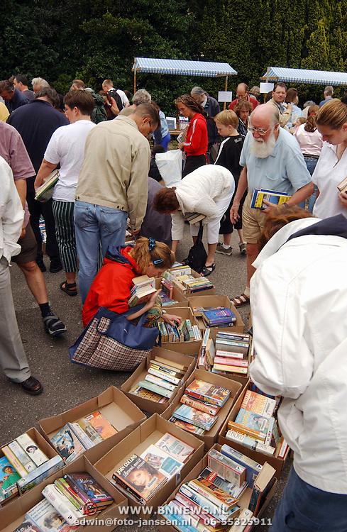 Bibliotheek Hilversum s'Gravelandseweg verkoop van afgeschreven boeken