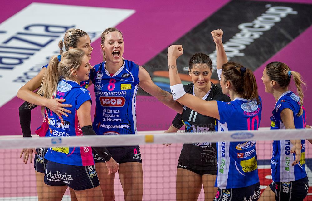 27-11-2016 ITA: Gorgonzola Igor Volley Novara - Nordmeccanica Modena, Novara<br /> Nova wint in drie sets van Modena / Judith Pietersen #8, Laura Dijkema #14