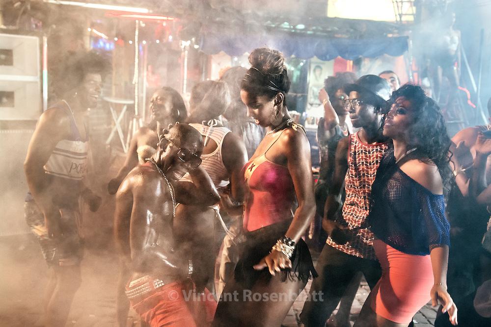 Video shoot of the &quot;Vira a Cara&quot; clip for DJ Leo Justi / Heavy Baile at Vila Mimosa, popular prostitution district <br /> with dancers Massengo Jr. &amp; Carol Rum&atilde;o  (clip director : Leandro HBL) //Tournage du clip &quot;Vira a Cara&quot; du DJ Leo Justi / Heavy Baile &agrave; Vila Mimosa, quartier de prostitution populaire, avec Massengo Jr, fameux danseur de la sc&egrave;ne black music de Rio.