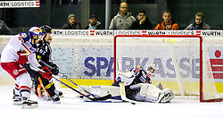 18.09.2015, Messestadion, Dornbirn, AUT, EBEL, Dornbirner Eishockey Club vs EC Red Bull Salzburg, 3. Runde, im Bild v.l. Manuel Latusa (EC Red Bull Salzburg), Robert Lembacher, (Dornbirner Eishockey Club) und Florian Hardy, (Dornbirner Eishockey Club) // during the Erste Bank Icehockey League 3rd round match between Dornbirner Eishockey Club vs EC Red Bull Salzburg at the Messestadion in Dornbirn, Austria on 2015/09/18. EXPA Pictures © 2015, PhotoCredit: EXPA/ Peter Rinderer