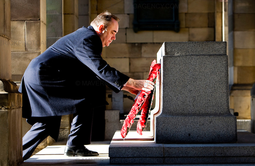 Remembrance Sunday.Scotlands First Minister Alex Salmond lays a wreath outside the City Chambers on Edinburghs Royal Mile   to remember servicemen and women who have been killed in past and current conflicts...Picture Michael Hughes/Maverick.......