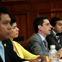 """Toluca, Mex.-  Alberto Bazbaz Sacal, Procurador de Justicia estatal, durante el foro Una Nueva Justicia para el Estado de México: """"Retos y oportunidades"""", realizado por la Junta de Coordinación Política de la LVI Legislatura, se destacó que uno de los aspectos de la necesaria modernización del aparto judicial es la aprobación de los juicios orales. Agencia MVT / Luis Enrique Hernandez V. (DIGITAL)<br /> <br /> <br /> <br /> NO ARCHIVAR - NO ARCHIVE"""