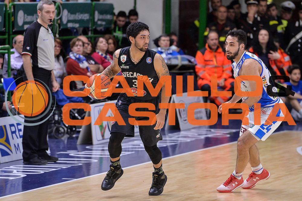 DESCRIZIONE : Beko Legabasket Serie A 2015- 2016 Dinamo Banco di Sardegna Sassari - Pasta Reggia Juve Caserta<br /> GIOCATORE : Peyton Siva<br /> CATEGORIA : Palleggio Controcampo<br /> SQUADRA : Pasta Reggia Juve Caserta<br /> EVENTO : Beko Legabasket Serie A 2015-2016<br /> GARA : Dinamo Banco di Sardegna Sassari - Pasta Reggia Juve Caserta<br /> DATA : 03/04/2016<br /> SPORT : Pallacanestro <br /> AUTORE : Agenzia Ciamillo-Castoria/L.Canu