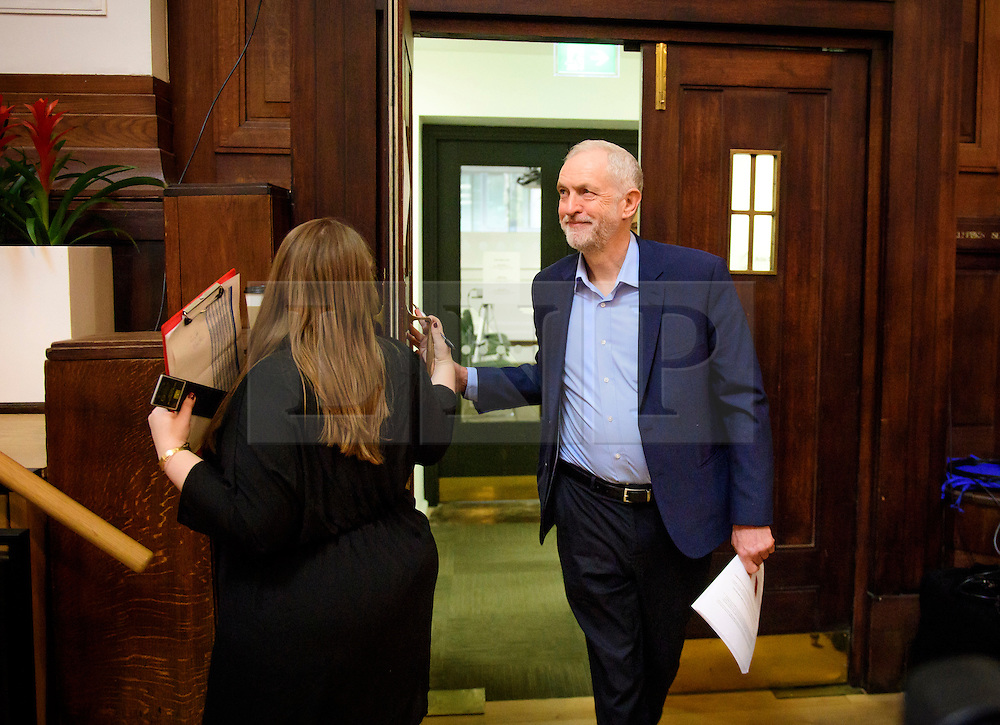 © Licensed to London News Pictures. 14/01/2017. London, UK. Labour Party leader JEREMY CORBYN arrives on stage to deliver a speech at the Fabian Society conference in London on January 14, 2016. Corbyn has come under further pressure as leader following the resignation of Stoke-on-Trent, Tristram Hunt. Photo credit: Ben Cawthra/LNP