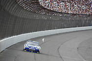 August 16, 2009: 48 Jimmie Johnson has a big lead on 83 Brian Vickers at the CARFAX 400 race, Michigan International Speedway, Brooklyn, MI.