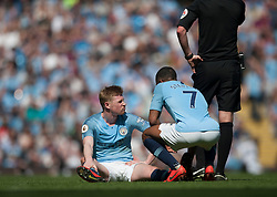 Kevin De Bruyne of Manchester City (L) after picking up an injury - Mandatory by-line: Jack Phillips/JMP - 20/04/2019 - FOOTBALL - Etihad Stadium - Manchester, England - Manchester City v Tottenham Hotspur - English Premier League