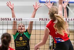 17-03-2018 NED: Prima Donna Kaas Huizen - VC Sneek, Huizen<br /> PDK verliest kansloos met 3-0 van Sneek / Bianca de Kock #9 of PDK Huizen