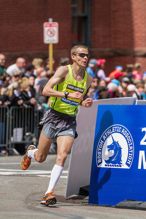 2014 Boston Marathon: turn onto Boylston Street with quarter mile to go, Jeff Eggleston