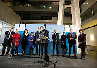 Nederland. Den Haag, 20 februari 2010.<br /> 05.09 uur, persconferentie Bos in ministerie van Financien, achtergrond, v.ln.l.r: minister van der Laan, staatssecretaris Klijnsma, staatssecretaris Albayrak, staatssecretaris Dijksma, minister Koenders, Bos, minister Plasterk, minister Cramer en fractievoorzitter Hamer.<br /> Premier Balkenende gaat het ontslag van zijn vierde kabinet indienen bij koningin Beatrix. Na een keiharde confrontatie in de ministerraad over de militaire missie in Uruzgan bleek rond vier uur 's nachts nog maar één conclusie mogelijk: aftreden.<br /> Foto Martijn Beekman