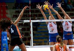 01-10-2014 ITA: World Championship Volleyball Servie - Nederland, Verona<br /> Nederland verliest met 3-0 van Servie en is kansloos voor plaatsing final 6 / Celeste Plak, Tijana Boskovic, Milena Rasic