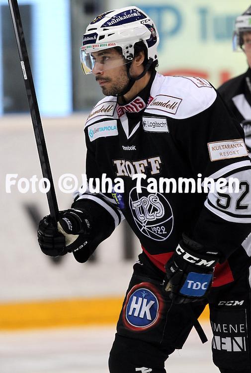 12.10.2013, Turku-halli, Turku.<br /> J&auml;&auml;kiekon SM-liiga 2012-13. TPS - Blues.<br /> Camilo Miettinen - TPS