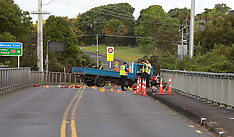 Auckland-Motorcyclist critically injured in crash with truck, Massey