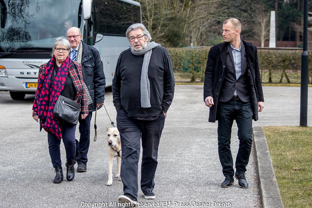 Uitvaart Mies Bouwman in een crematorium in Leusden.<br /> <br /> Op de foto:  Maarten van Rossum