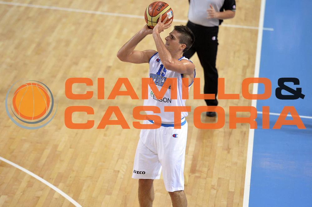 DESCRIZIONE : Capodistria Koper Slovenia Eurobasket Men 2013 Preliminary Round Italia Turchia Italy Turkey<br /> GIOCATORE : Andrea Cinciarini<br /> CATEGORIA : Tiro<br /> SQUADRA : Italia<br /> EVENTO : Eurobasket Men 2013<br /> GARA : Italia Turchia Italy Turkey<br /> DATA : 05/09/2013<br /> SPORT : Pallacanestro&nbsp;<br /> AUTORE : Agenzia Ciamillo-Castoria/GiulioCiamillo<br /> Galleria : Eurobasket Men 2013 <br /> Fotonotizia : Capodistria Koper Slovenia Eurobasket Men 2013 Preliminary Round Italia Turchia Italy Turkey<br /> Predefinita :
