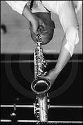 Berlin, DEU, 30.05.1992: Jazz Music , Diesner, Dietmar, das Foto mit dem saxophon ueber dem Kopf, 30.05.1992 ( Keywords: Musiker ; Musician ; Musik ; Music ; Jazz ; Jazz ; Kultur ; Culture ) ,  [ Photo-copyright: Detlev Schilke, Postfach 350802, 10217 Berlin, Germany, Mobile: +49 170 3110119, photo@detschilke.de, www.detschilke.de - Jegliche Nutzung nur gegen Honorar nach MFM, Urhebernachweis nach Par. 13 UrhG und Belegexemplare. Only editorial use, advertising after agreement! Eventuell notwendige Einholung von Rechten Dritter wird nicht zugesichert, falls nicht anders vermerkt. No Model Release! No Property Release! AGB/TERMS: http://www.detschilke.de/terms.html ]