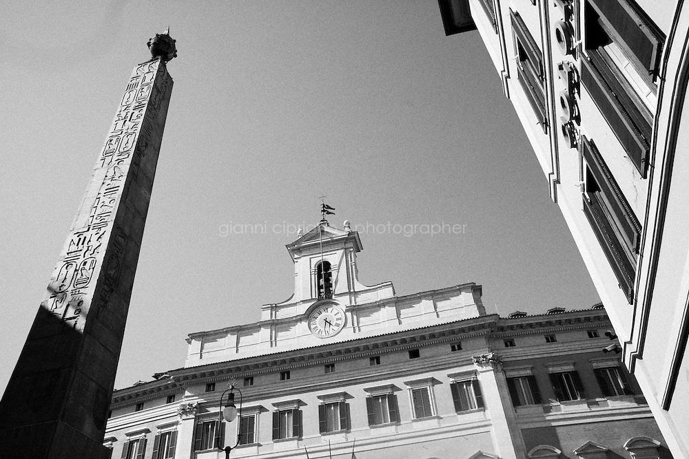 ROMA, ITALIA - 19 APRILE 2013: a Roma, Italy, il 19 aprile 2013.<br /> <br /> Le elezioni del presidente della Repubblica sono iniziate il 18 aprile 2013. Nelle prime 3 votazioni sono necessari 672 voti per eleggere il Presidente della Repubblica, ossia i due terzi dei 1007 componenti (630 deputati, 319 senatori e 58 rappresentanti delle regioni). Dalla quarta votazione in poi, sar&agrave; invece necessaria la maggioranza assoluta dell'assemblea, ossia 504 voti.