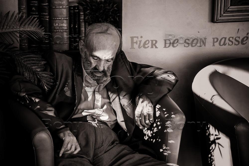 M. Julian Izquierdo y Garcia, 78 ans<br /> <br /> &quot;Honneur et fidelite&quot;, la Legion n'abandonne jamais les siens, au combat comme dans la vie.<br /> <br /> &ldquo;Honor and loyalty&rdquo;, the Legion don't abandon his own, in the combat or in the life.<br /> <br /> Unique au monde, les arm&eacute;es de tous les autres pays viennent pour comprendre son syst&egrave;me de fonctionnement.<br /> Unique in the world, the armies of all other countries come to understand his operation system.<br /> <br /> Rencontre avec des personnages extraordinaires<br /> Meeting with extraordinary characters<br /> <br /> More texts<br /> http://maya-press.net/iile-the-last-sanctuary-for-old-legionnaires/