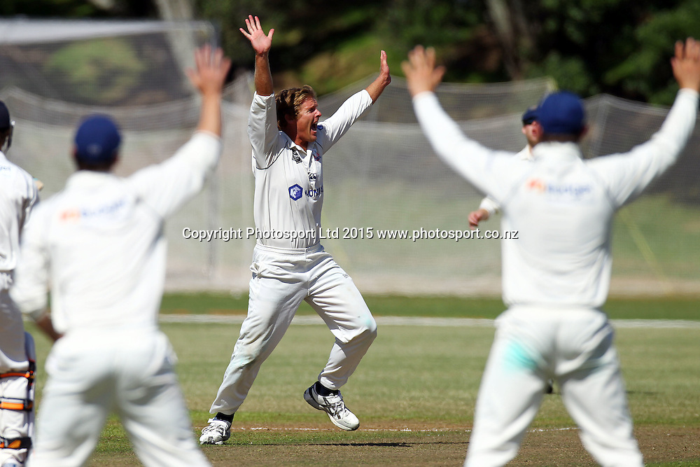 Michael Bates appeals, Auckland Aces v Otago Volts, 4 day domestic cricket, Plunket Shield. Colin Maiden Park, Auckland. 1 April 2015. Copyright Photo: William Booth / www.photosport.co.nz