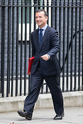 © Licensed to London News Pictures. 21/09/2017. London, UK. Secretary of State for Wales Alun Cairns arriving in Downing Street to attend a Cabinet meeting this morning. Photo credit : Tom Nicholson/LNP