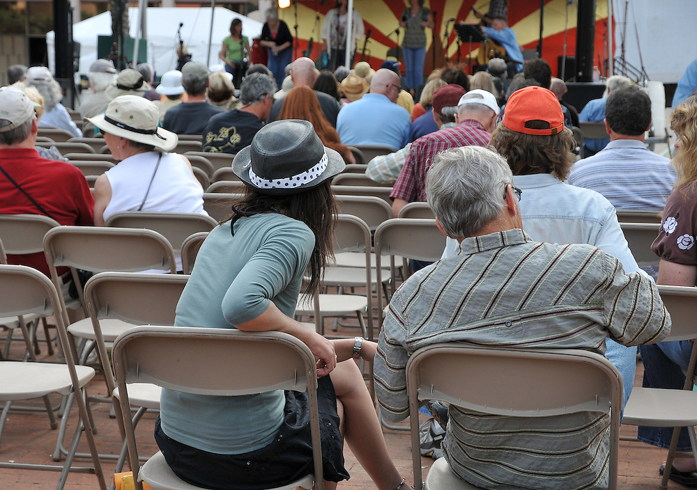 Plaza Stage audience at the 2010 Tucson Folk Festival. Event photography by Martha Retallick.