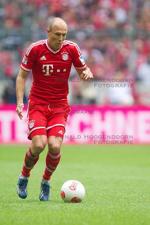 11-05-2012 VOETBAL: FC BAYERN MUNCHEN - FC AUGSBURG: MUNCHEN<br /> Bayern Munchen kampioen van Duitsland seizoen 2012-2013 met Arjen Robben<br /> ***NETHERLANDS ONLY***<br /> ©2012-FotoHoogendoorn.nl