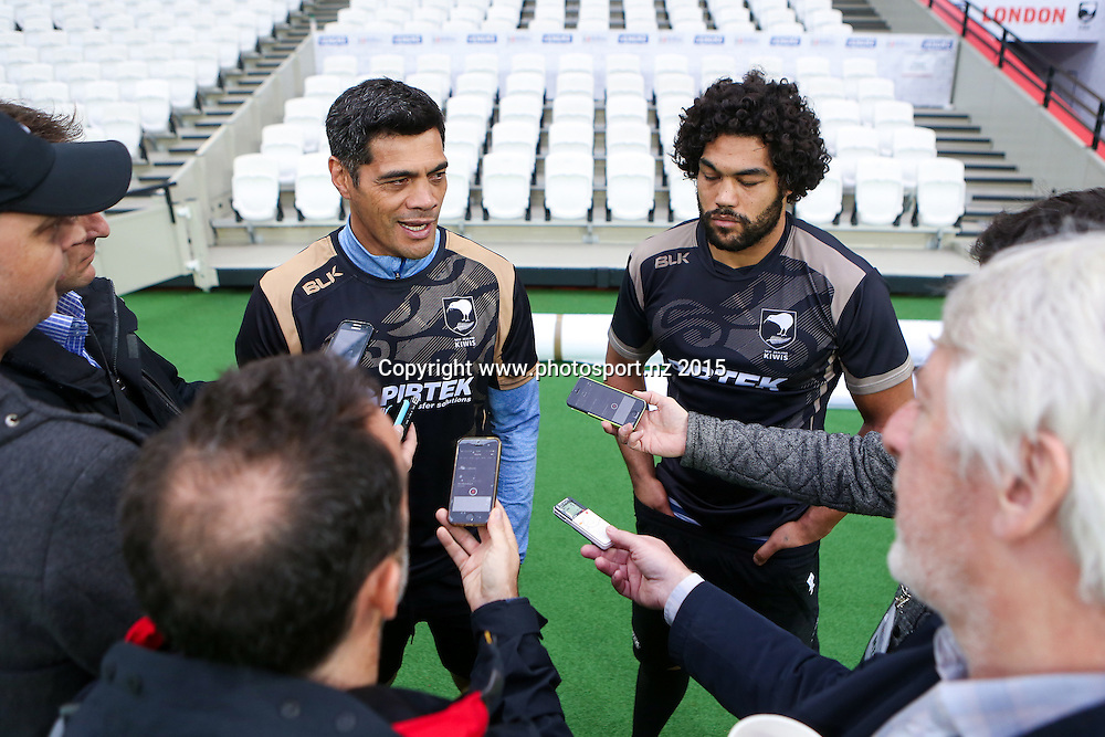 Picture by Alex Whitehead/SWpix.com - 06/11/2015 - Rugby League - England v New Zealand, Second Test - Olympic Stadium, London, England - New Zealand head coach Stephen Kearney and co-captain Adam Blair speak to the media during the Team Run ahead of Saturday's game.