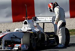 Motorsports / Formula 1: World Championship 2011, Testing in Barcelona, test, 16 Kamui Kobayashi (JPN, BMW Sauber F1 Team), stopping on track, auf der strecke stehen geblieben