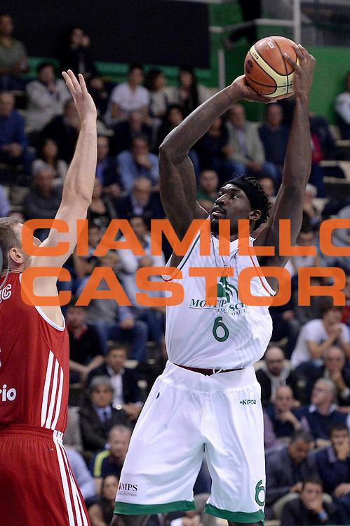 DESCRIZIONE : Siena Supercoppa Lega A 2013-14 Montepaschi Siena Cimberio Varese<br /> GIOCATORE : Othello Hunter<br /> CATEGORIA :  tiro penetrazione<br /> SQUADRA : Montepaschi Siena Cimberio Varese<br /> EVENTO : Campionato Lega A 2013-2014<br /> GARA : Montepaschi Siena Cimberio Varese<br /> DATA : 08/10/2013<br /> SPORT : Pallacanestro<br /> AUTORE : Agenzia Ciamillo-Castoria/C.De Massis<br /> Galleria : Lega Basket A 2013-2014<br /> Fotonotizia :  Siena Supercoppa Lega A 2013-14 Montepaschi Siena Cimberio Varese<br /> Predefinita :