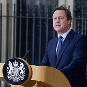 David Cameron announce his resignation
