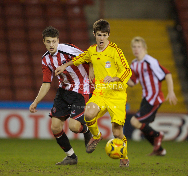 Sheffield, England - Thursday, February 15, 2007: Liverpool's Ryan Flynn and Sheffield United's Matthew Lowton during the FA Youth Cup Quarter-Final match at Bramall Lane. (Pic by David Rawcliffe/Propaganda)
