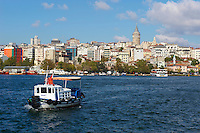 Turquie, Istanbul, la Corne d'Or au quartier Eminonu // Turkey, Istanbul, Golden Horn, Eminonu neighbourhood