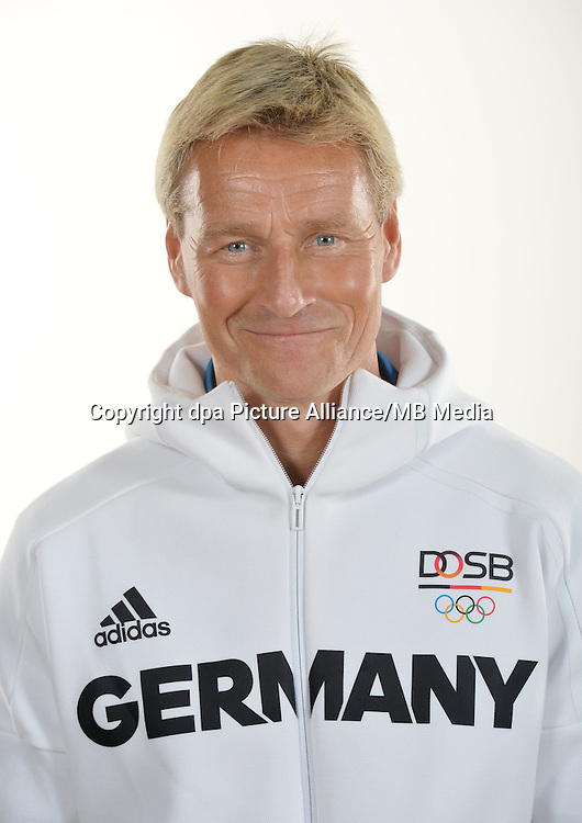 Thomas Nörenberg poses at a photocall during the preparations for the Olympic Games in Rio at the Emmich Cambrai Barracks in Hanover, Germany. July 25, 2016. Photo credit: Frank May/ picture alliance. | usage worldwide
