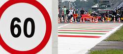 08.09.2011, Autodromo Nationale, Monza, ITA, F1, Grosser Preis von Italien, Monza, im Bild Geschwindigkeits Beschränkung von 60 km/h in der Boxengasse // during the Formula One Championships 2011 Italian Grand Prix held at the Autodromo Nationale, Monza, near Milano, Italy, 2011-09-08, EXPA Pictures © 2011, PhotoCredit: EXPA/ J. Feichter