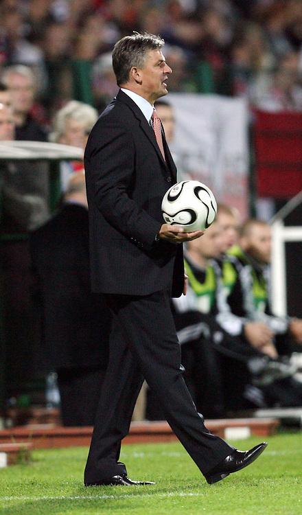 WARSZAWA 23/08/2006..UEFA CHAMPIONS LEAGUE QUALIFICATION ROUND..DARIUSZ WDOWCZYK TRENER LEGII..FOT. PIOTR HAWALEJ / WROFOTO