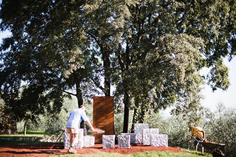 Sagrado (Gorizia) - Il parco Ungaretti, presso l'azienda agricola Castelvecchio - Il Recinto Sacro