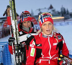 03.01.2012, Nordische Arena, Toblach, ITA, Viessmann Tour de Ski 2011, FIS Langlauf Weltcup, Damen 3,3km Klassik einzel, im Bild MARIT BJOERGEN, THERESE JOHAUG // during Ladies 3.3 km Classic Individual of Viessmann Tour de Ski 2011 FIS World Cup Cross Country at DNordische Arena, Toblach, Italy on 2012/01/03. EXPA Pictures © 2012, PhotoCredit: EXPA/ Newspix/ Tomasz Markowski..***** ATTENTION - for AUT, SLO, CRO, SRB, SUI and SWE only *****