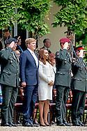 17-6-2015 ARNHEM - Koning Willem Alexander is woensdag 17 juni aanwezig bij de jubileumbijeenkomst (65 jaar) van het Regiment van Heutsz. De Koning woont de ceremoni&euml;le plechtigheid van het &lsquo;doden-app&egrave;l&rsquo; bij en spreekt onder anderen met Korea-veteranen. De bijeenkomst vindt plaats bij het Koninklijk Tehuis voor Oud-Militairen en Museum Bronbeek in Arnhem. COPYRIGHT ROBIN UTRECHT<br /> <br /> 17-6-2015 ARNHEM - King Willem Alexander is Wednesday, June 17th jubilee attended the meeting (65) Regiment Heutsz. The King attends the ceremonial solemnity of the &quot;dead-appeal 'in speaking to others with Korea veterans. The meeting takes place at the Royal Home for Former Soldiers and Bronbeek Museum in Arnhem. COPYRIGHT ROBIN UTRECHT