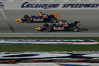 Alex Barron and Patrick Carpentier race at the Chicagoland Speedway, September 11, 2005