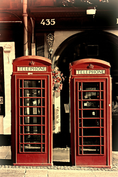 UK phonebox olde look
