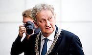 AMSTERDAM  - Burgemeester Eberhardt van der Laan wonen zondagavond 1 juni 2014 de openingsvoorstelling van de 67e editie van het Holland Festival bij in het Nationale Opera & Balletgebouw in Amsterdam. COPYRIGHT ROBIN UTRECHT
