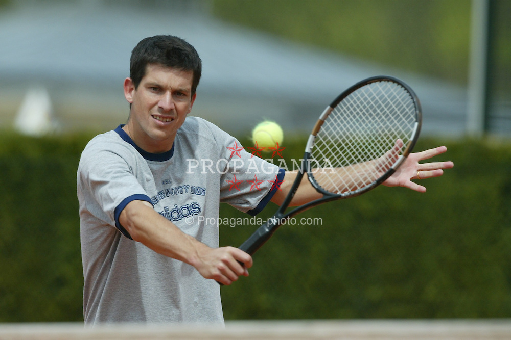 MUNICH, GERMANY - Monday, April 28, 2003: British No.1 Tim Henman warms up on the practice court ahead of his come-back match against Nicolas Lapentii tomorrow in the 1st Round of the BMW Open. (Pic by David Rawcliffe/Propaganda)