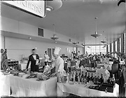 17/05/1956<br /> 05/17/1956<br /> 17 May 1956<br /> Interior views at Dublin Airport. The dining area.