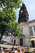 Dresden Neustadt, DreiKoenigskirche,  Biergarten, Dresden, Sachsen, Deutschland.|.Dresden, Germany,  Dresden Neustadt, DreiKoenigskirche, beer garden