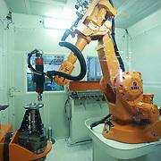 Robot industriali nello stabilimento AvioAero di Rivalta (TO)