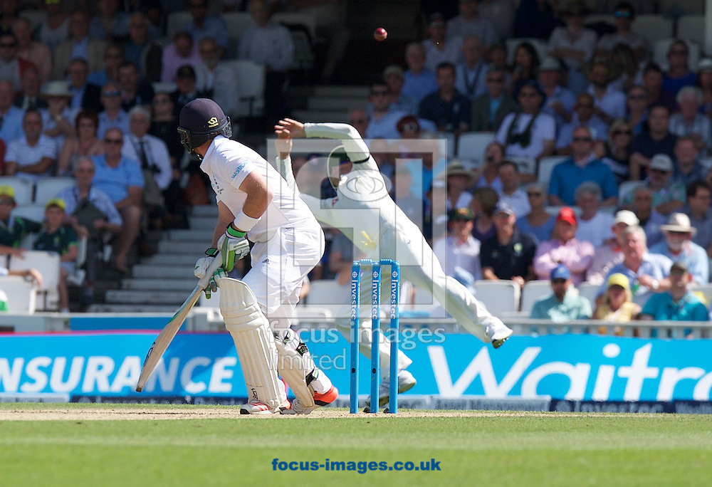 Michael Clarke of Australia misses a chance to catch Ian Bell of England during the 5th Investec Ashes Test Match match at the Kia Oval, London<br /> Picture by Alan Stanford/Focus Images Ltd +44 7915 056117<br /> 22/08/2015