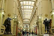 Deutschland, Leipzig,  Mädler Passage am Eingang zu Auerbachs Keller|Deutschland, Leipzig, Mädler Passage (historic shopping mall) at entrance to Auerbachs Keller