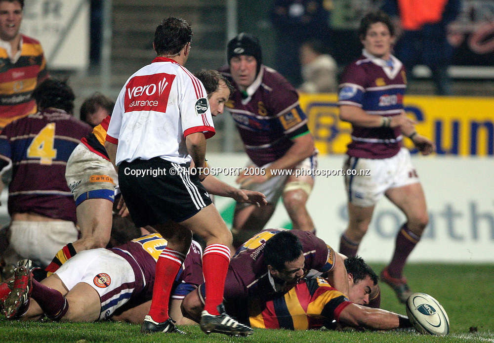 Liam Messam (Waikato) has driven from the base of the scrum but lost the ball on the tryline during the Air New Zealand Cup rugby match between Southland and Waikato at Rugby Park Stadium, Invercargill, on Saturday 5 August 2006. Photo: Richard Jones/PHOTOSPORT<br /> <br /> <br /> 050806 week 2 npc