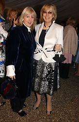Left to right, interior designers TESSA KENNEDY and NINA CAMPBELL at the annual Chelsea Flower Show dinner hosted by jewellers Cartier at the Chelsea Pysic Garden, London on 22nd May 2006.<br /><br />NON EXCLUSIVE - WORLD RIGHTS